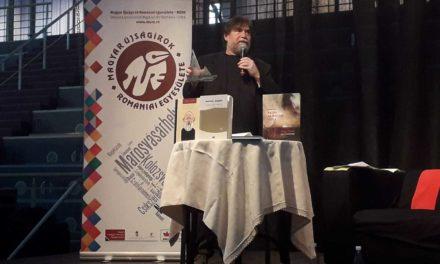 MÚRE-díjak, könyvek közt, az Arénában